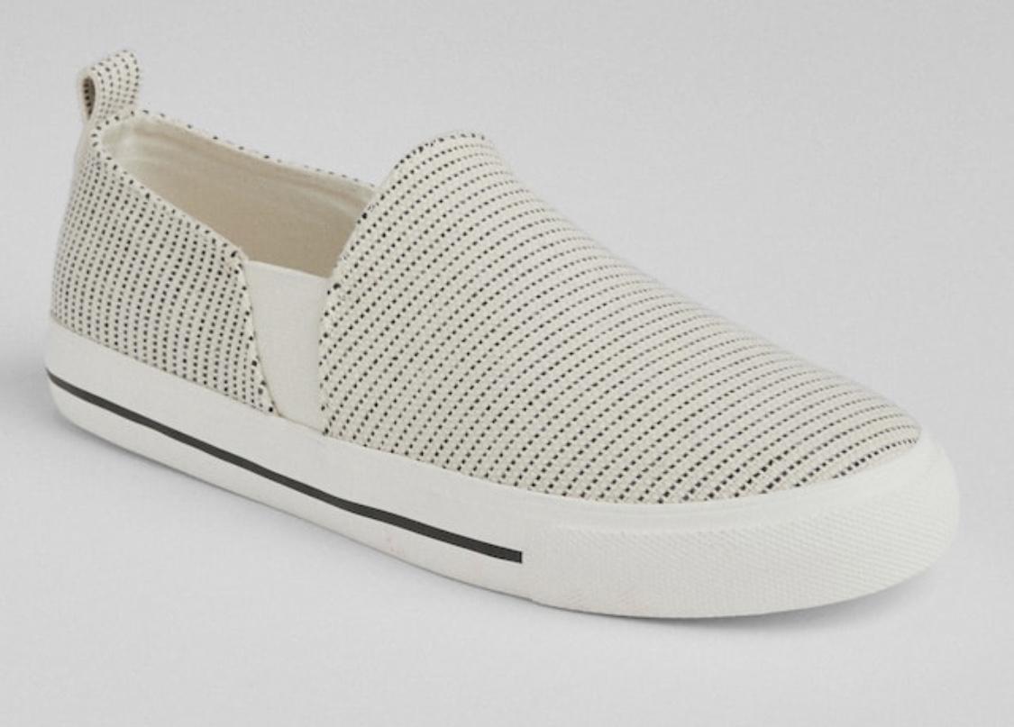 sneaker 6